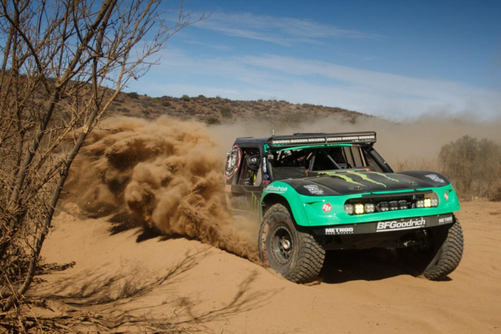 Cameron steele en trophy truck et justin morgan en moto remportent la 51 éme Baja 1000.