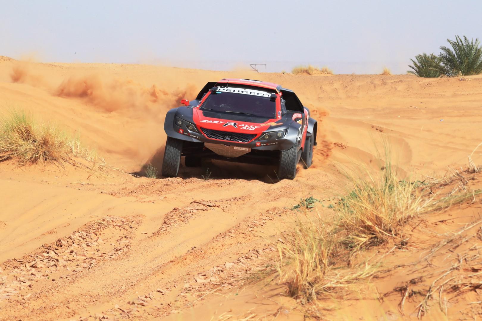 dakar-2019-jean-pascal-besson-affronte-le-desert-du-perou-922-2.jpg