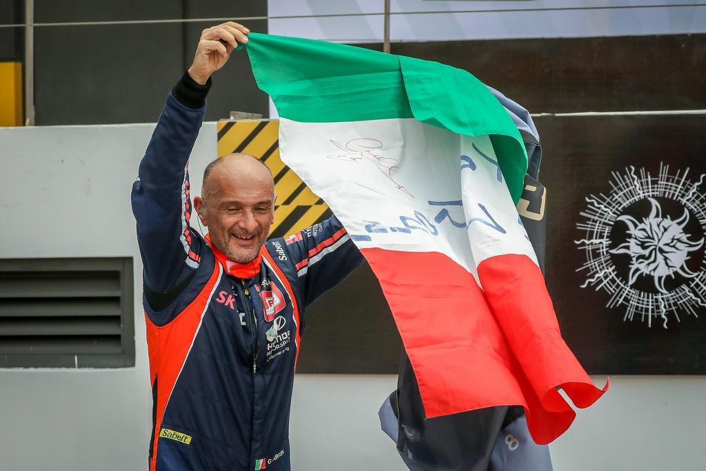gabriele-tarquini-remporte-la-premiere-saison-du-wtcr-bennani-12eme-919-1.jpg