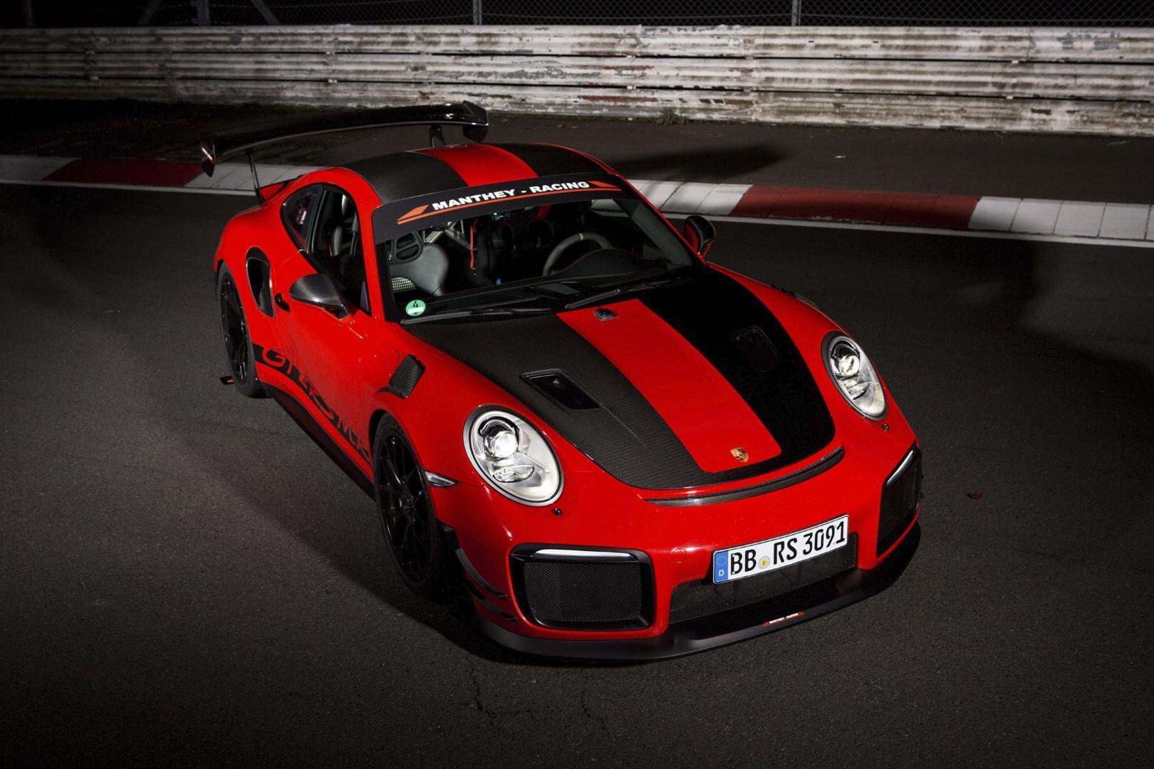 video-porsche-911-gt2-rs-mr-la-nouvelle-reine-du-ring-du-nuerburgring-907-2.jpg