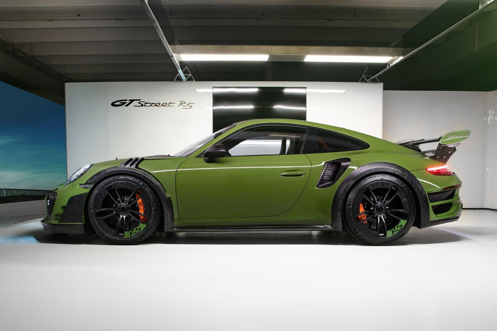 10-exemplaires-seulement-porsche-911-turbo-s-gtstreet-rs-by-techart-1049-2.jpg