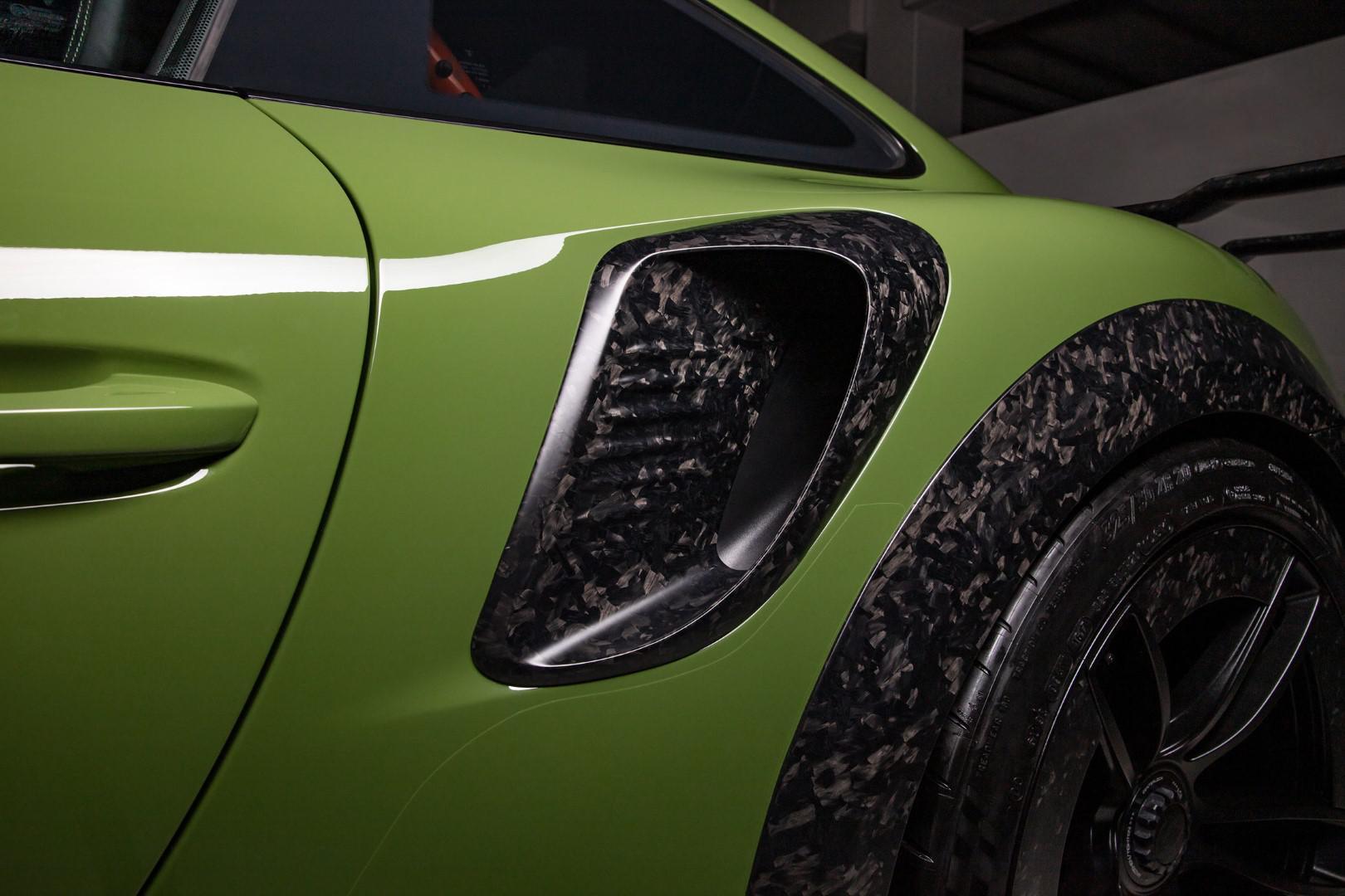 10-exemplaires-seulement-porsche-911-turbo-s-gtstreet-rs-by-techart-1049-7.jpg