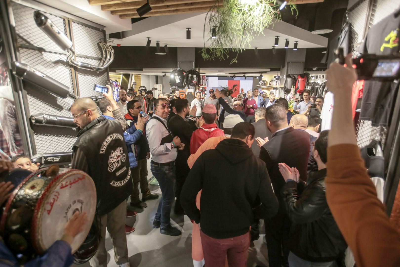 mob-shop-nouvelle-adresse-sur-la-ville-ocre-1064-2.jpg