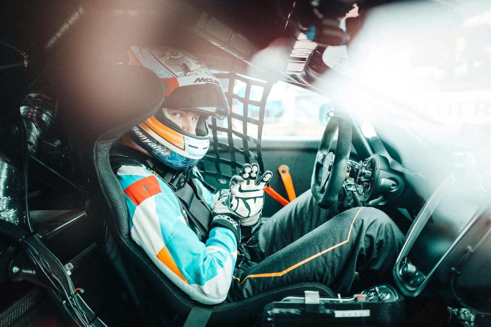 Le pilote marocain Benyahia évolue en 2019 dans le championnat d'Europe et d'Allemagne de la série GT4