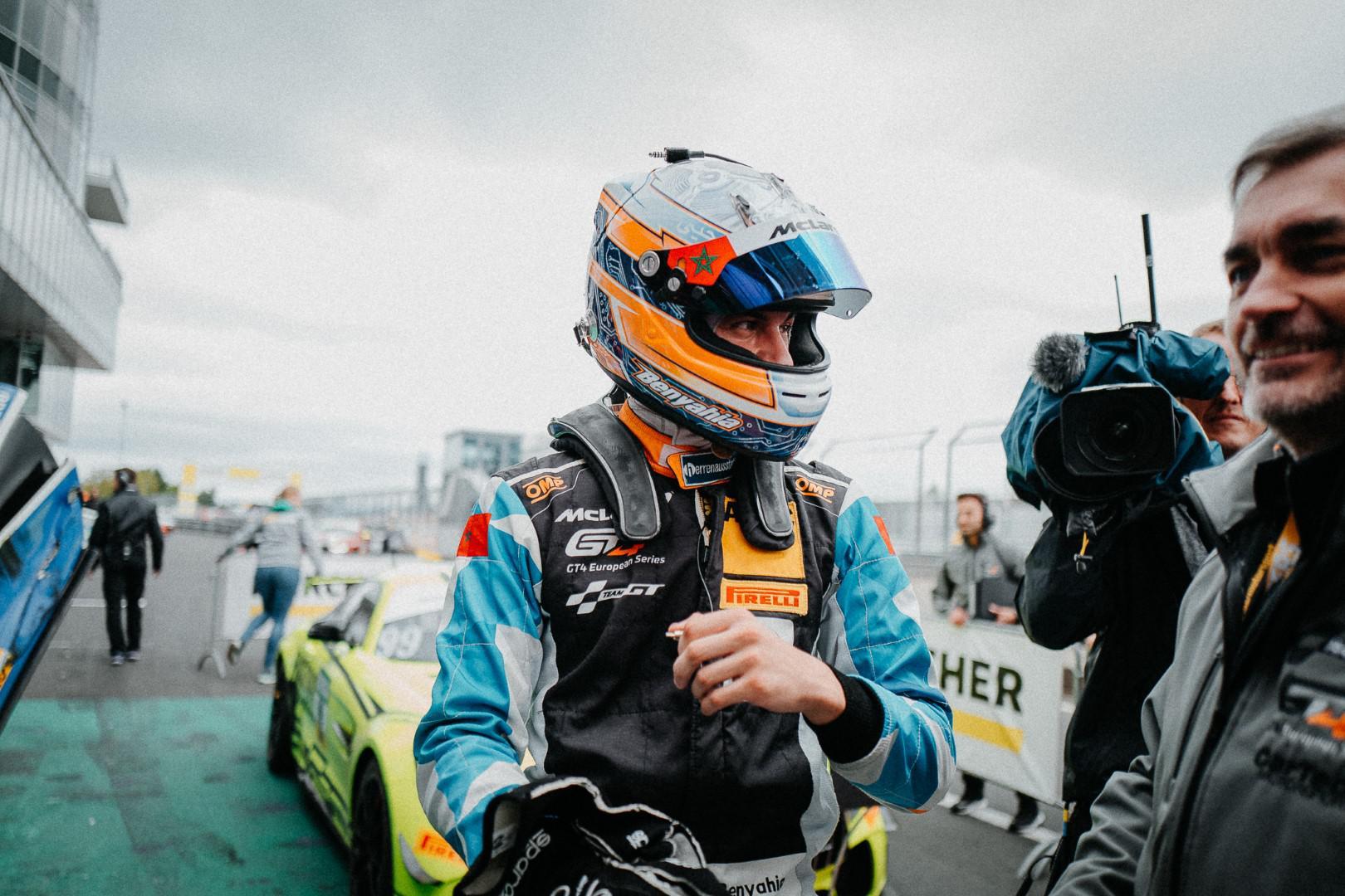 le-pilote-marocain-benyahia-signe-sa-1ere-victoire-en-gt4-sur-le-circuit-nurburgring-en-allemagne-1111-5.jpg
