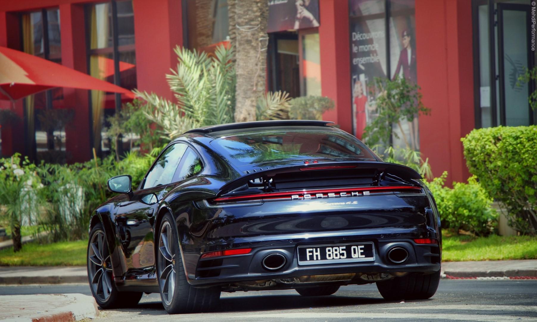 La technologie au service du pilote: Porsche 911 carrera 4s ( type 992 )