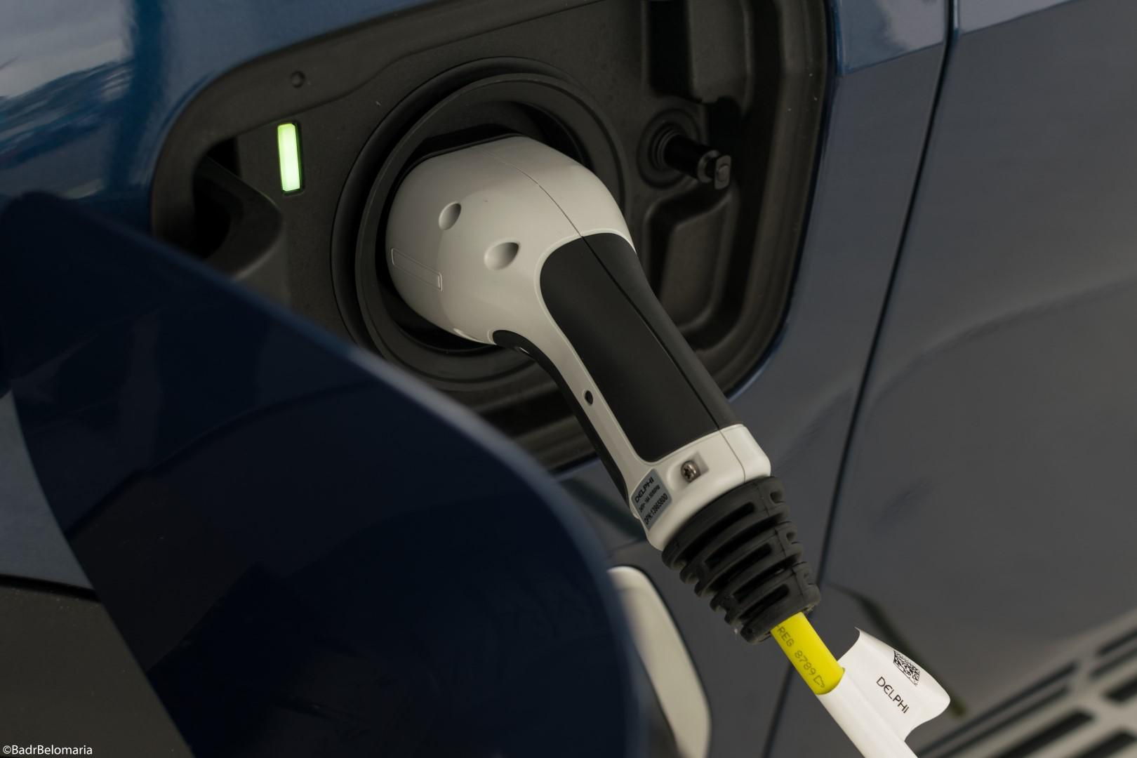 lancement-electrique-pour-le-nouveau-bmw-x5-hybride-1219-10.jpg