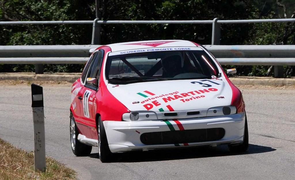 preparer-une-voiture-pour-la-course-au-maroc-1255-45.jpg