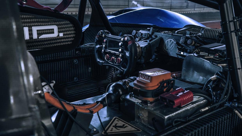 volkswagen-id-r-la-voiture-electrique-de-tous-les-records-fete-ses-2ans-aujourd-hui-1252-2.jpg
