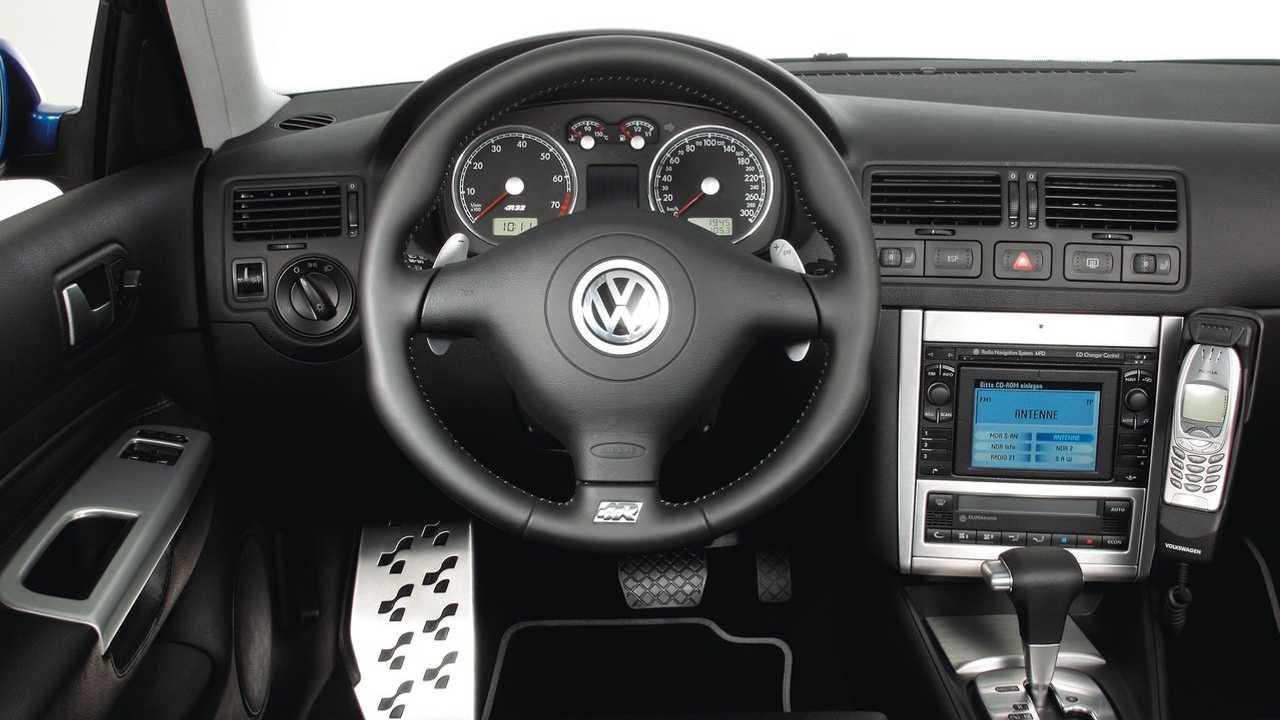 golf-iv-r32-il-etait-une-fois-une-voiture-de-legende-1265-5.jpg
