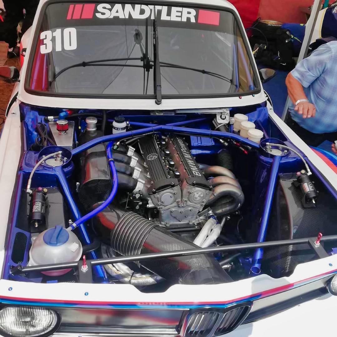 une-bmw-2002-avec-moteur-de-formule-2-en-course-de-cote-1270-2.jpg