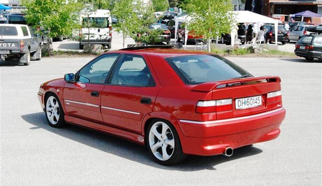 voitures-de-sports-qui-auront-25-ans-aujourd-hui-1269-25.jpg