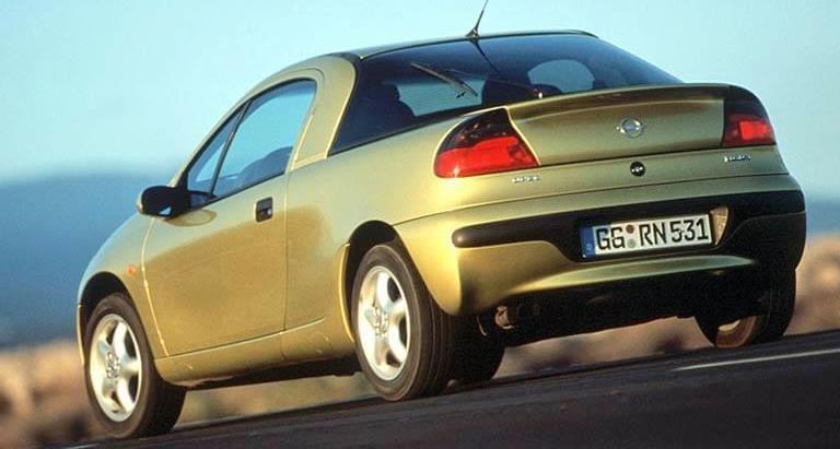 voitures-de-sports-qui-auront-25-ans-aujourd-hui-1269-61.jpg
