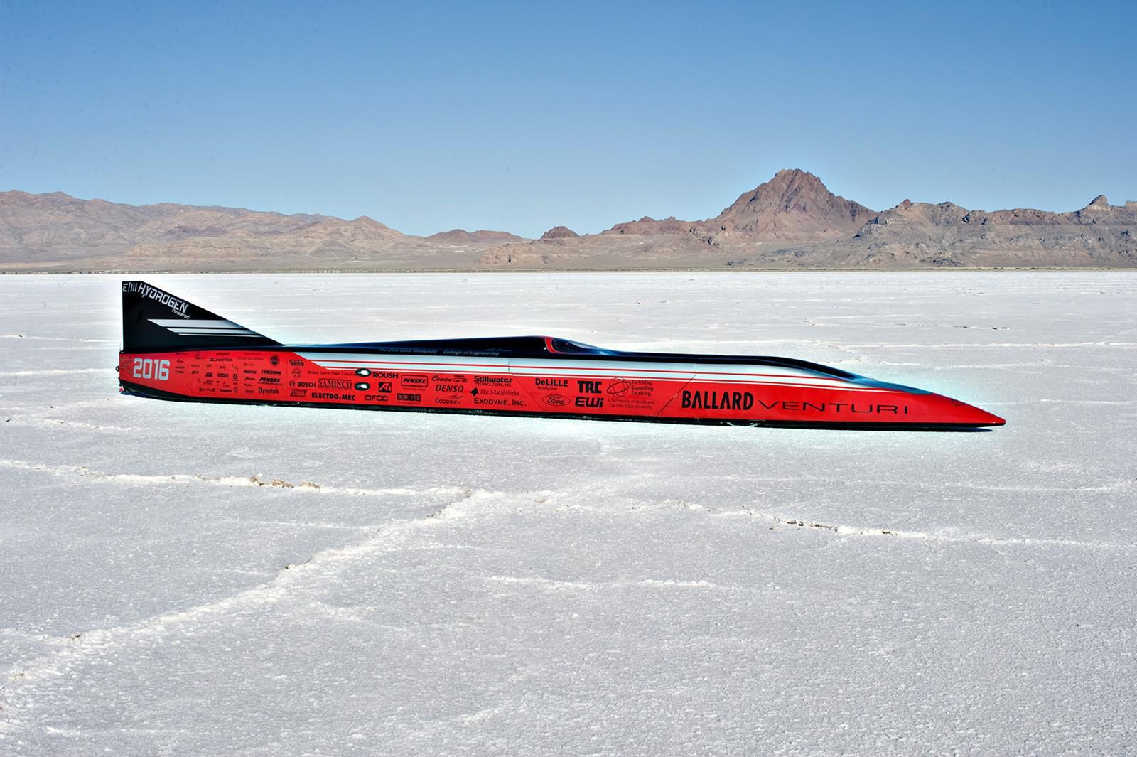 venturi-celebre-quatre-annees-du-record-du-monde-de-vitesse-549-km-h-pour-un-vehicule-electrique-1350-3.jpg