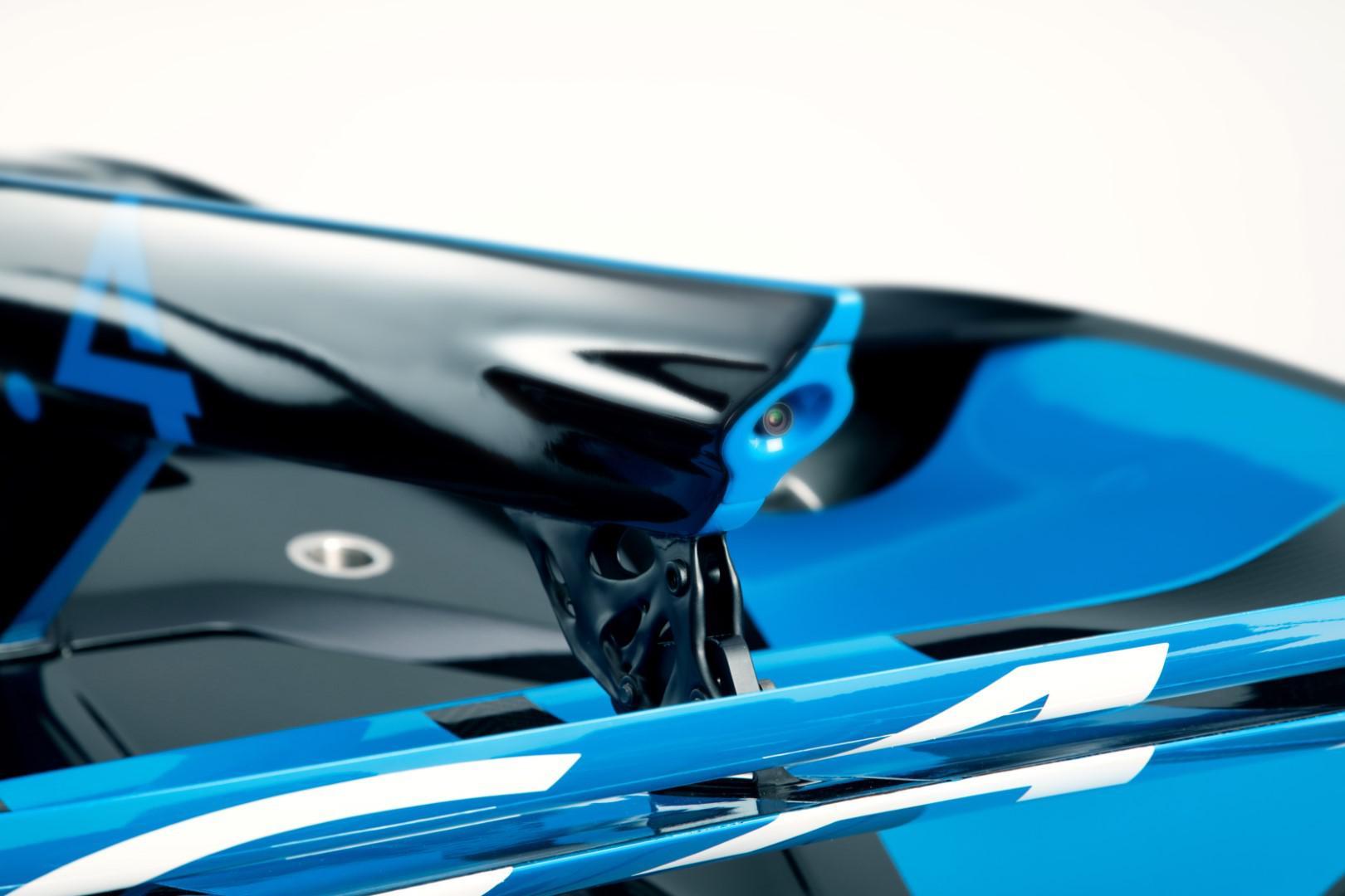 bugatti-imprime-la-perfection-au-dixieme-de-millimetre-1423-9.jpg