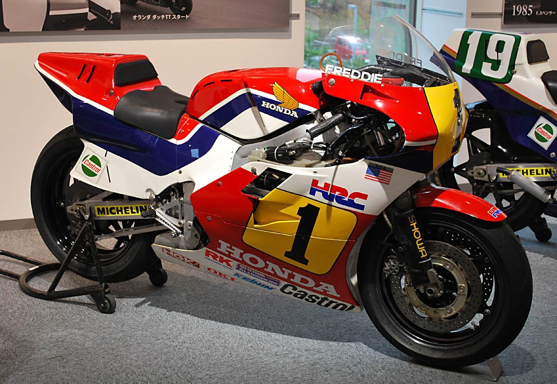 moto-gp-honda-evolution-de-la-puissance-1408-1.jpg