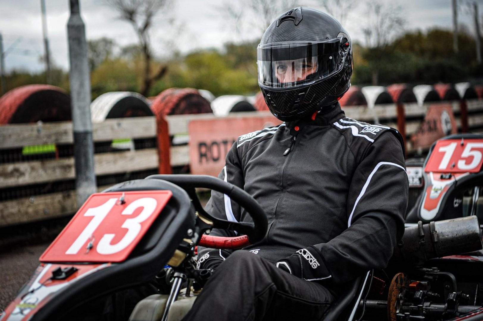 qui-est-ce-marocain-champion-de-karting-en-angleterre-1410-22.jpg