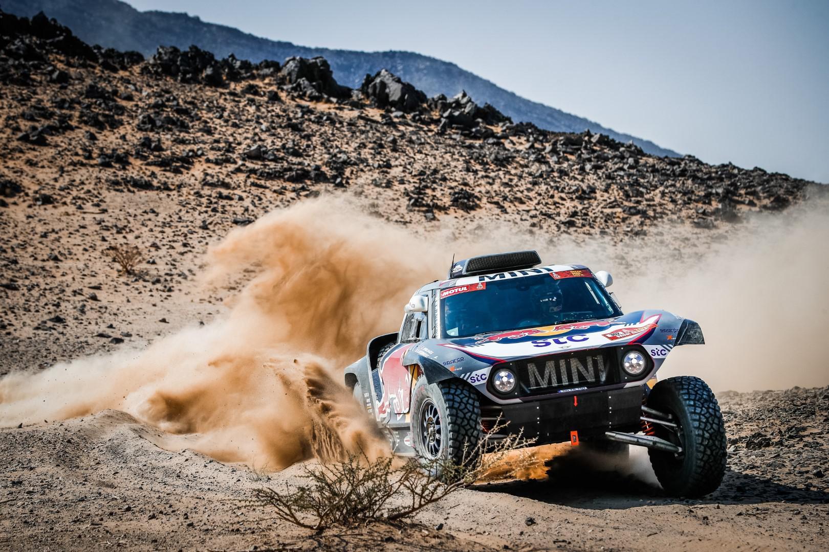 rally-dakar-2021-6eme-victoire-au-general-pour-mini-1416-12.jpg