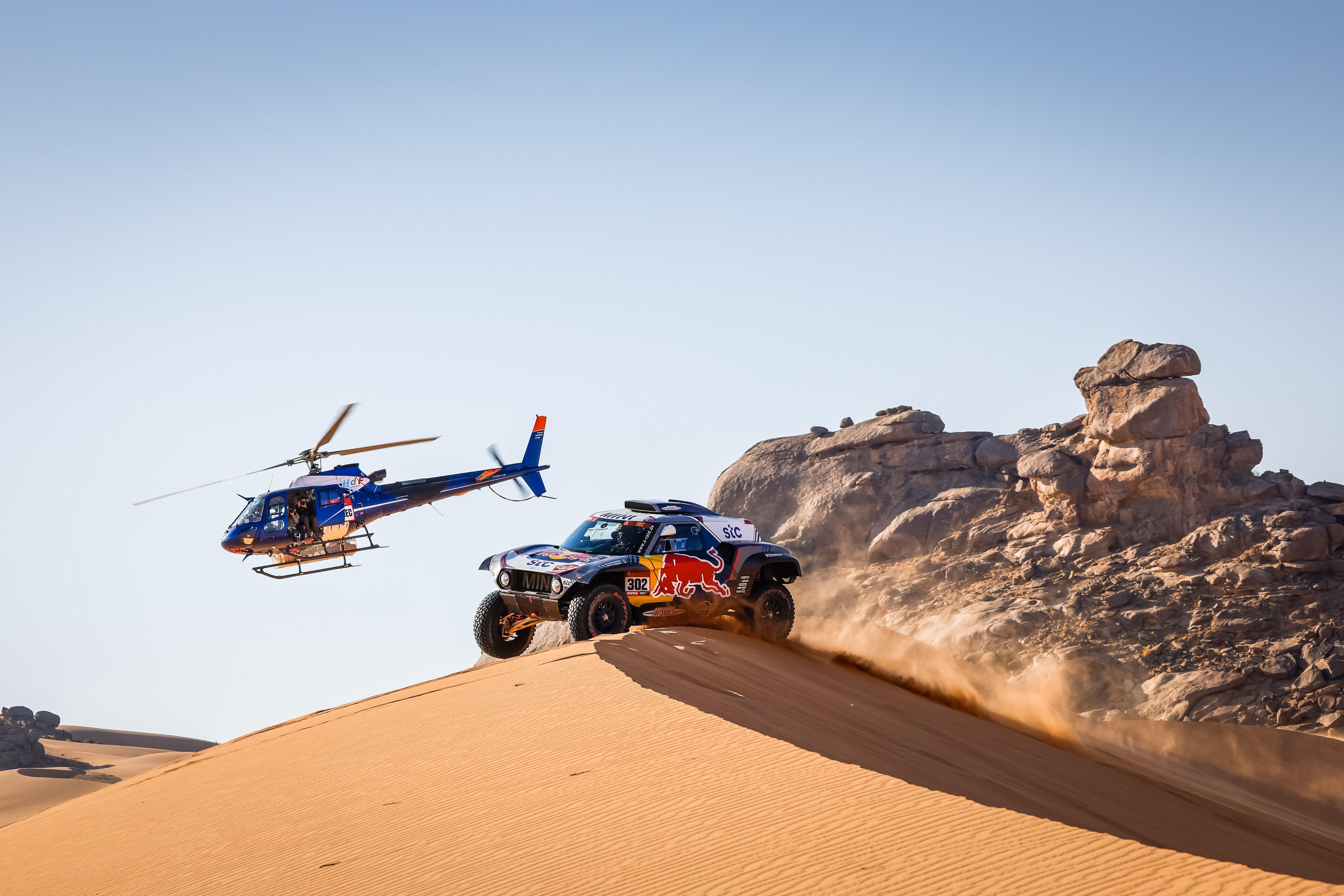 rally-dakar-2021-6eme-victoire-au-general-pour-mini-1416-7.jpg